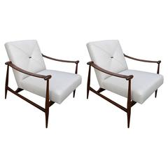 Pair of Liceu de Arte Chairs