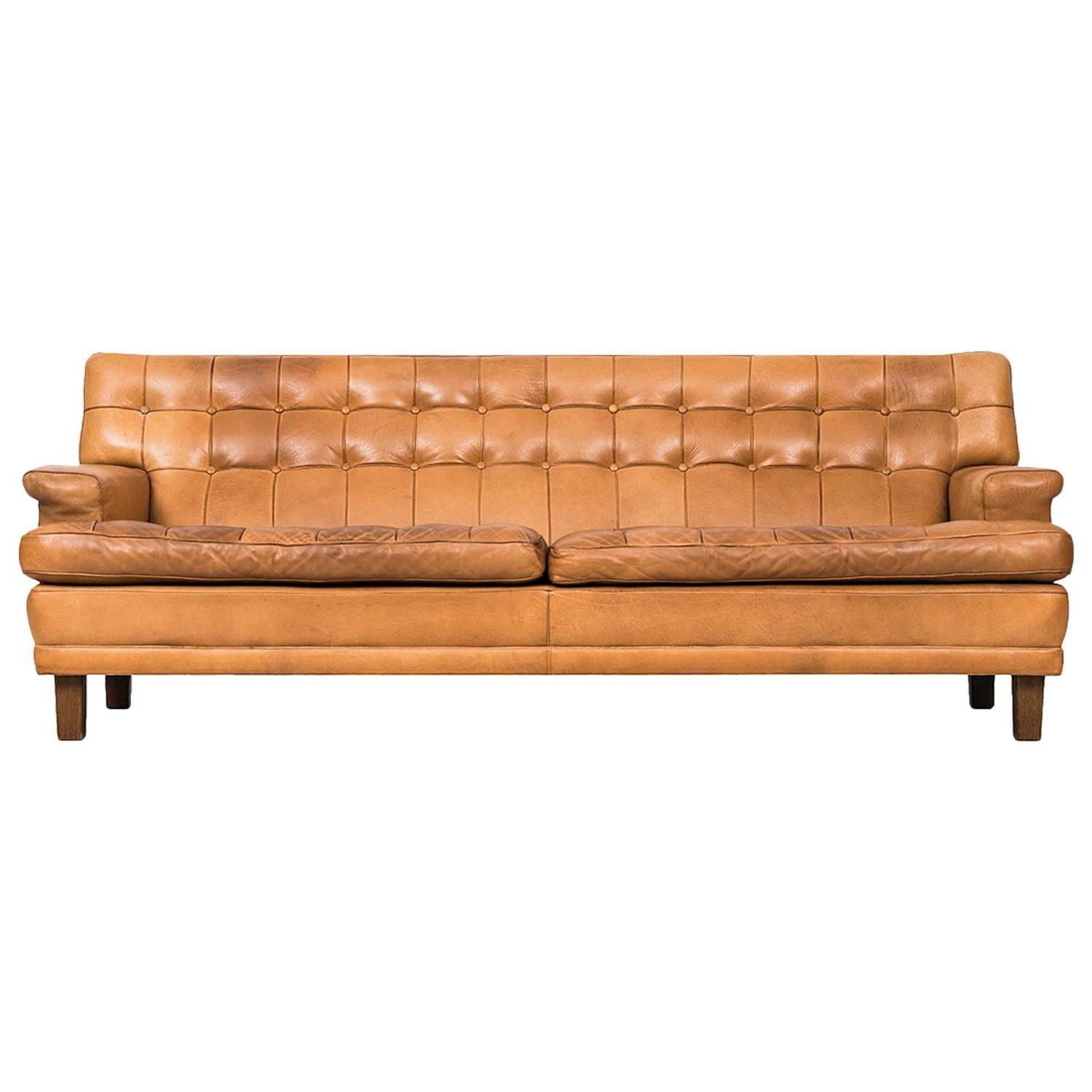 arne norell merkur sofa in cognac brown leather by norell ab in sweden for sale at 1stdibs. Black Bedroom Furniture Sets. Home Design Ideas