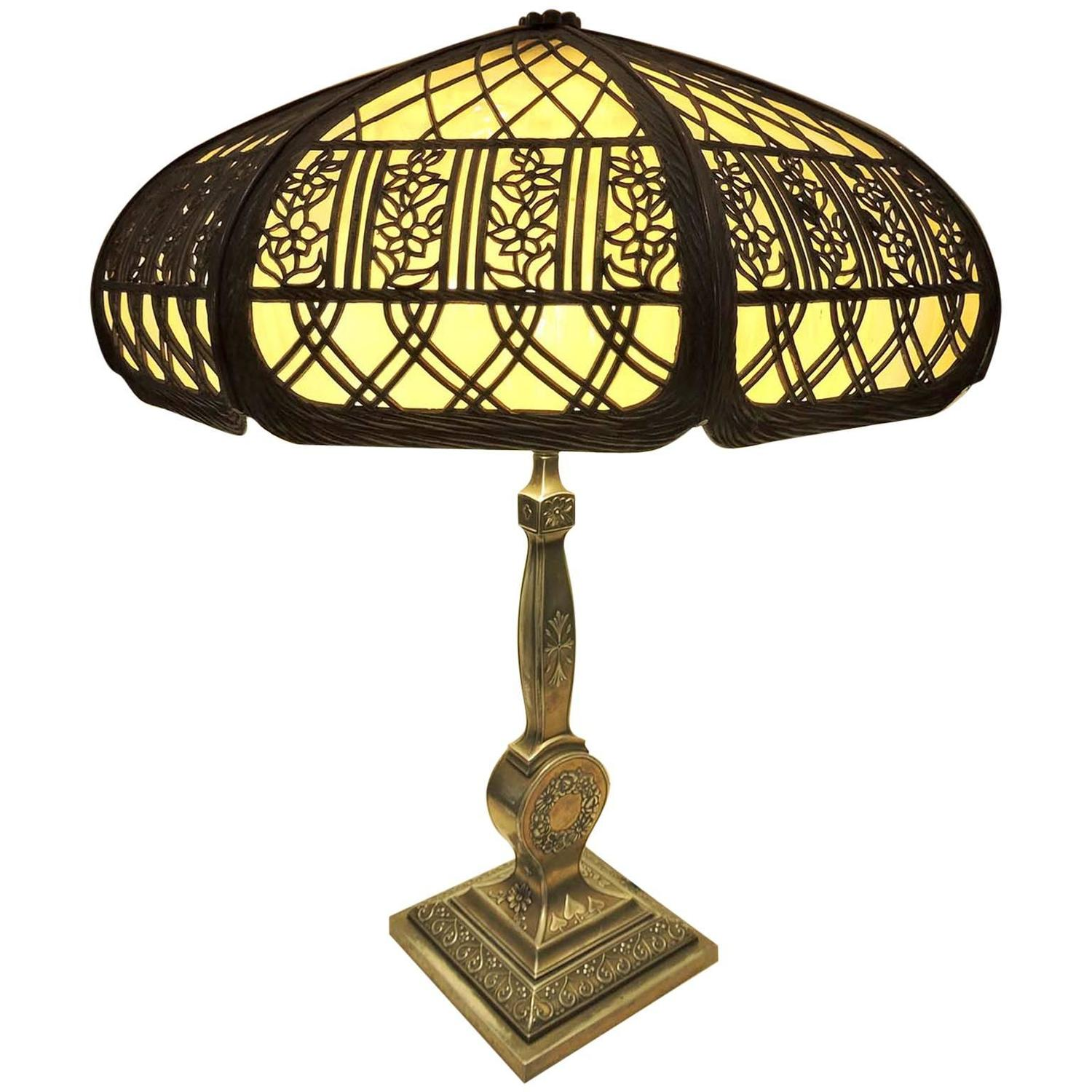 american arts and crafts electric lamp with pairpoint base. Black Bedroom Furniture Sets. Home Design Ideas