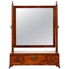 "English Queen Anne Walnut Dressing ""Toilet"" Mirror, 18th Century, circa 1715"
