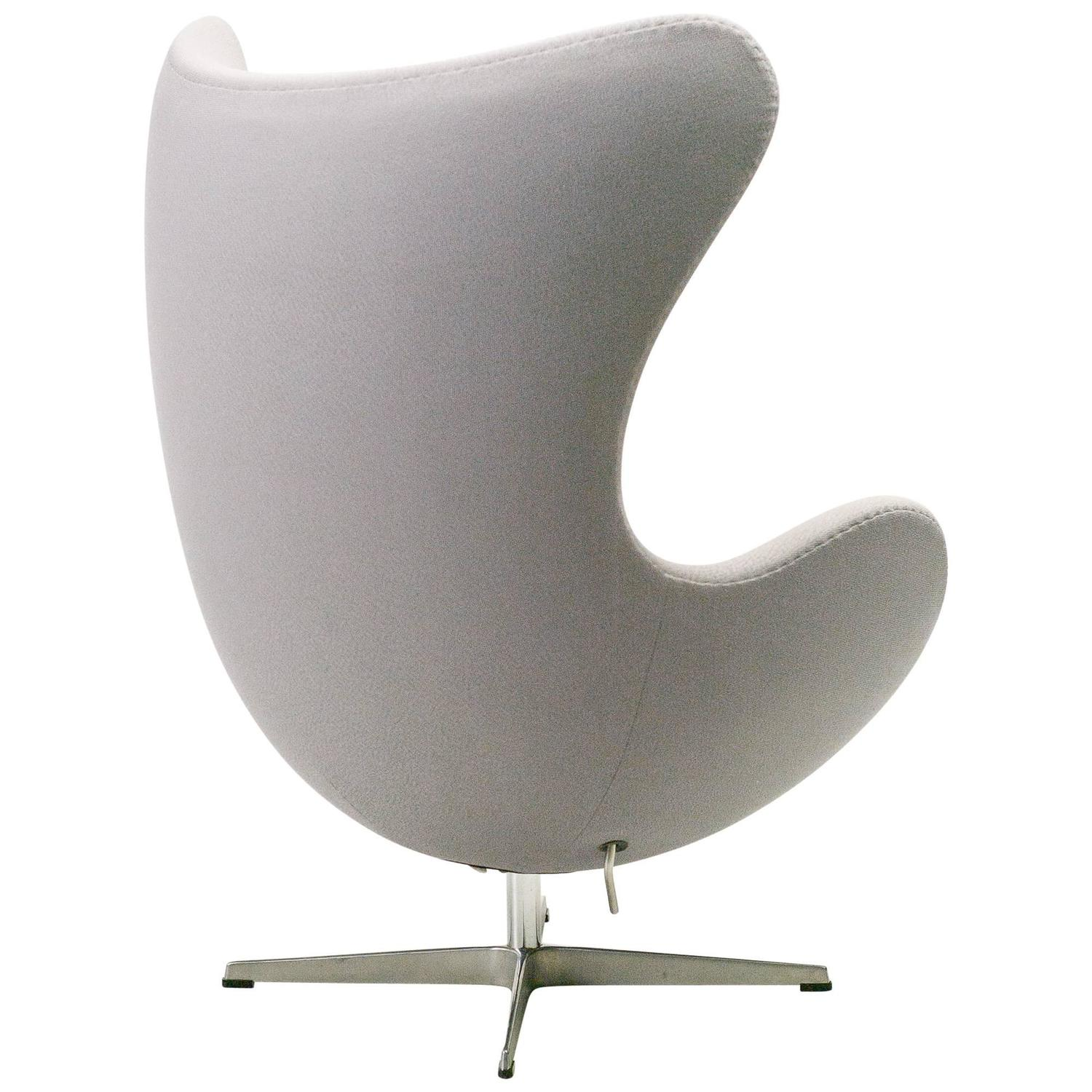 arne jacobsen for fritz hansen egg chair at 1stdibs. Black Bedroom Furniture Sets. Home Design Ideas