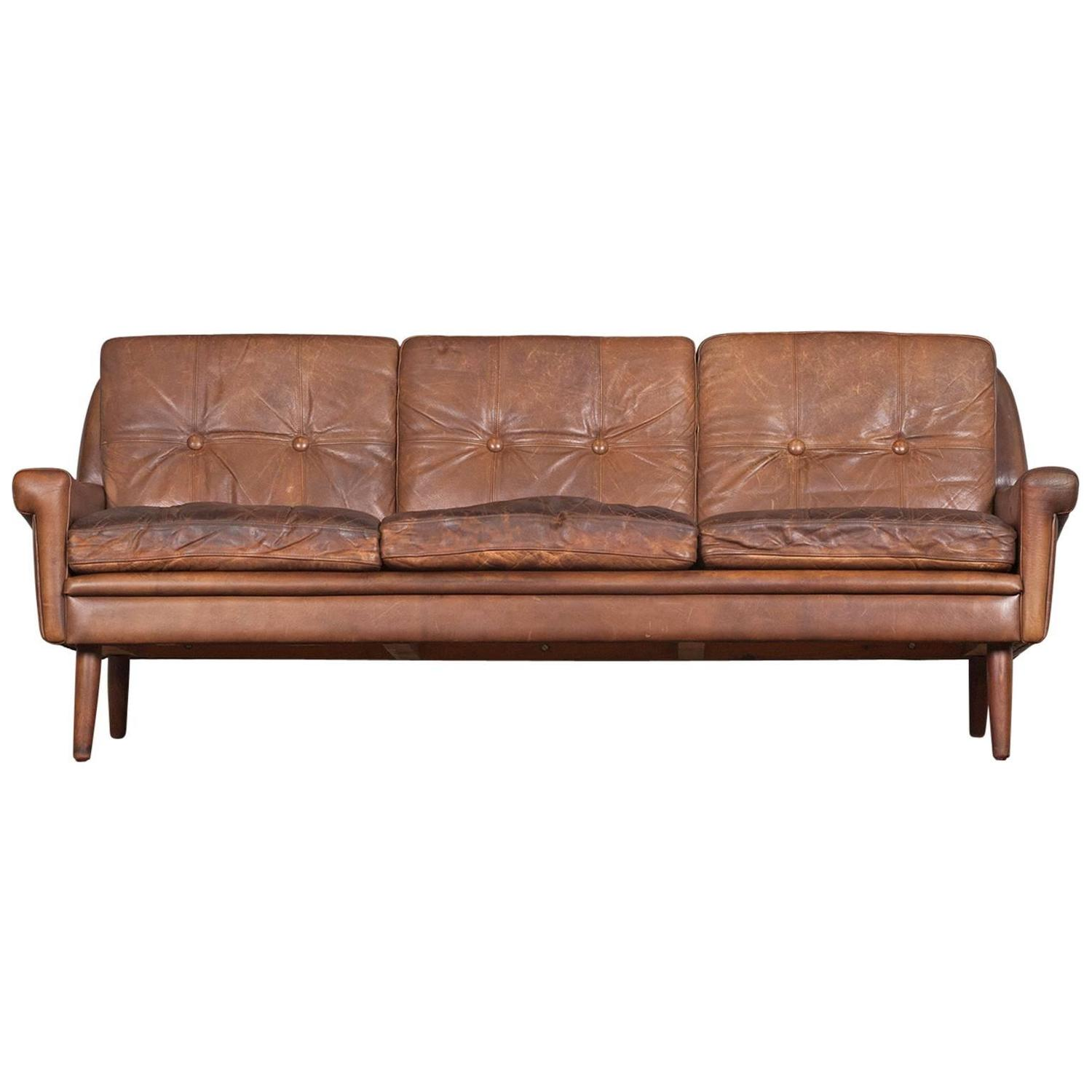 danish three seater sofa in light brown leather by skipper. Black Bedroom Furniture Sets. Home Design Ideas
