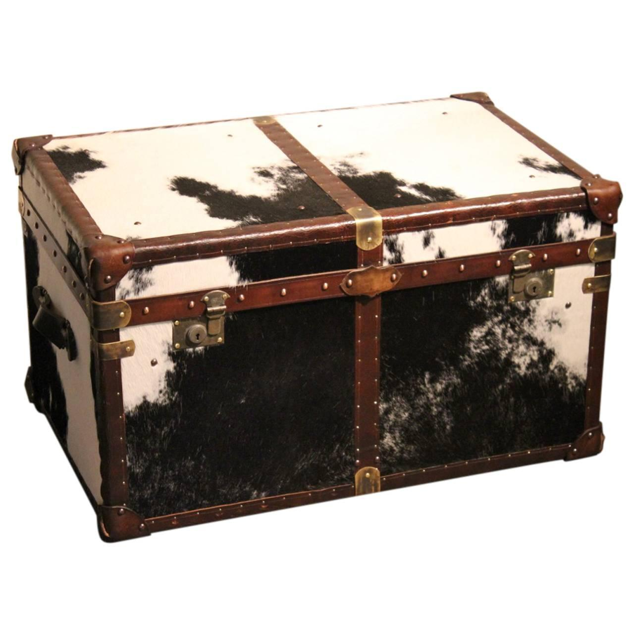 Bespoke cowhide trunk coffee table at 1stdibs Trunks coffee tables