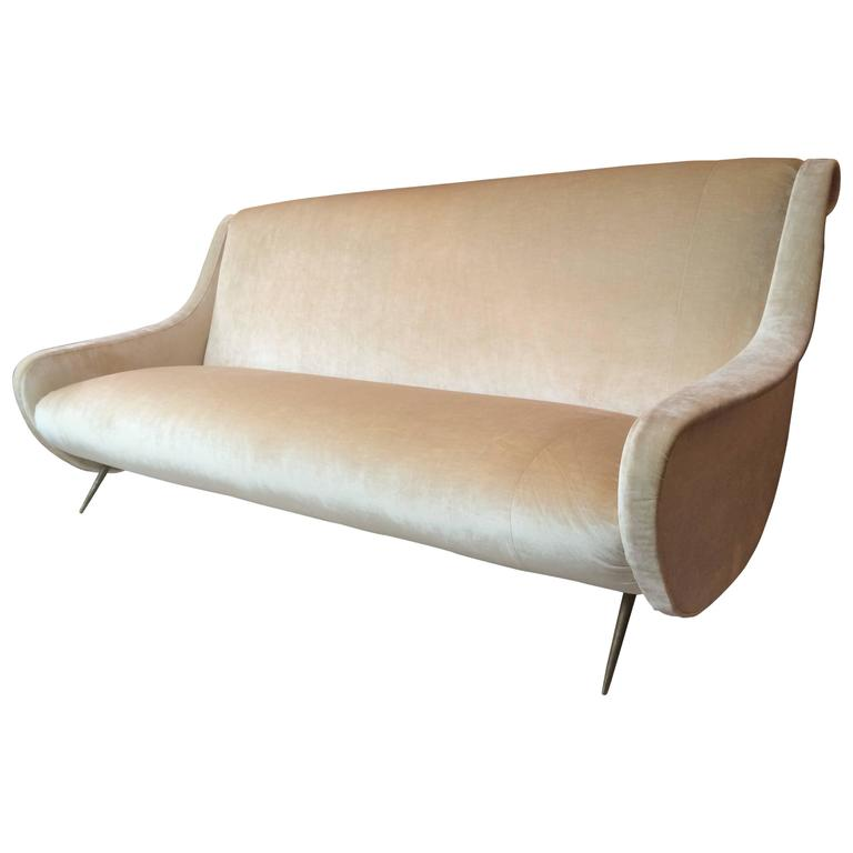 1950s italian sofa in vintage pale gold silk velvet at 1stdibs for Gold velvet sectional sofa