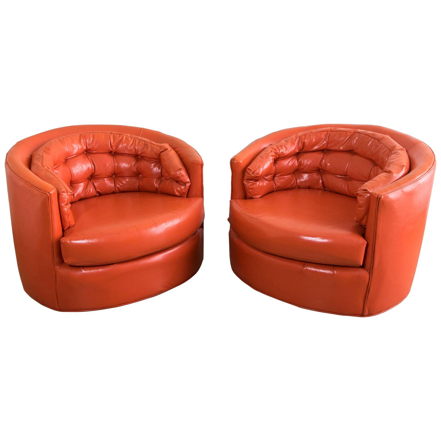 Pair Of Milo Baughman Swivel Club Chairs At 1stdibs