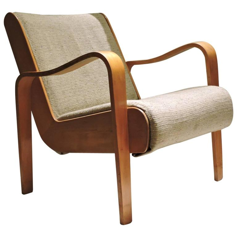 unusual thonet bentwood lounge chair at 1stdibs. Black Bedroom Furniture Sets. Home Design Ideas
