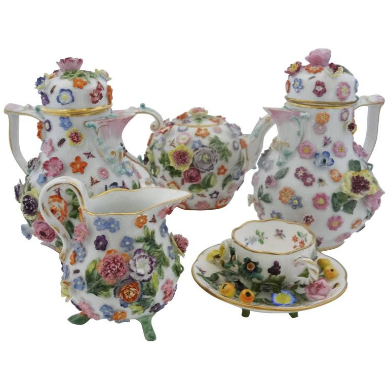 meissen porcelain floral tea service provenance chatsworth house attic sale at 1stdibs. Black Bedroom Furniture Sets. Home Design Ideas