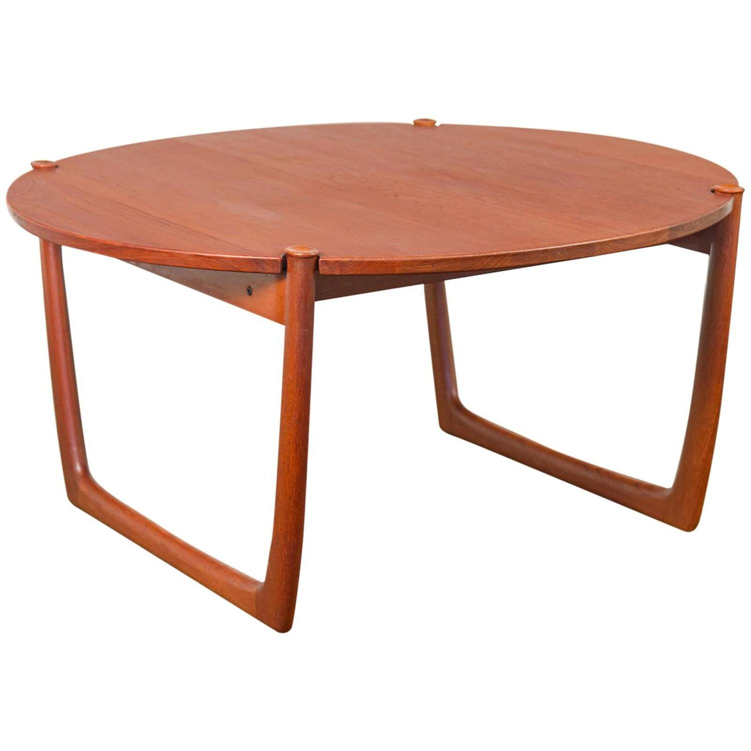Round Teak Cocktail Table At 1stdibs
