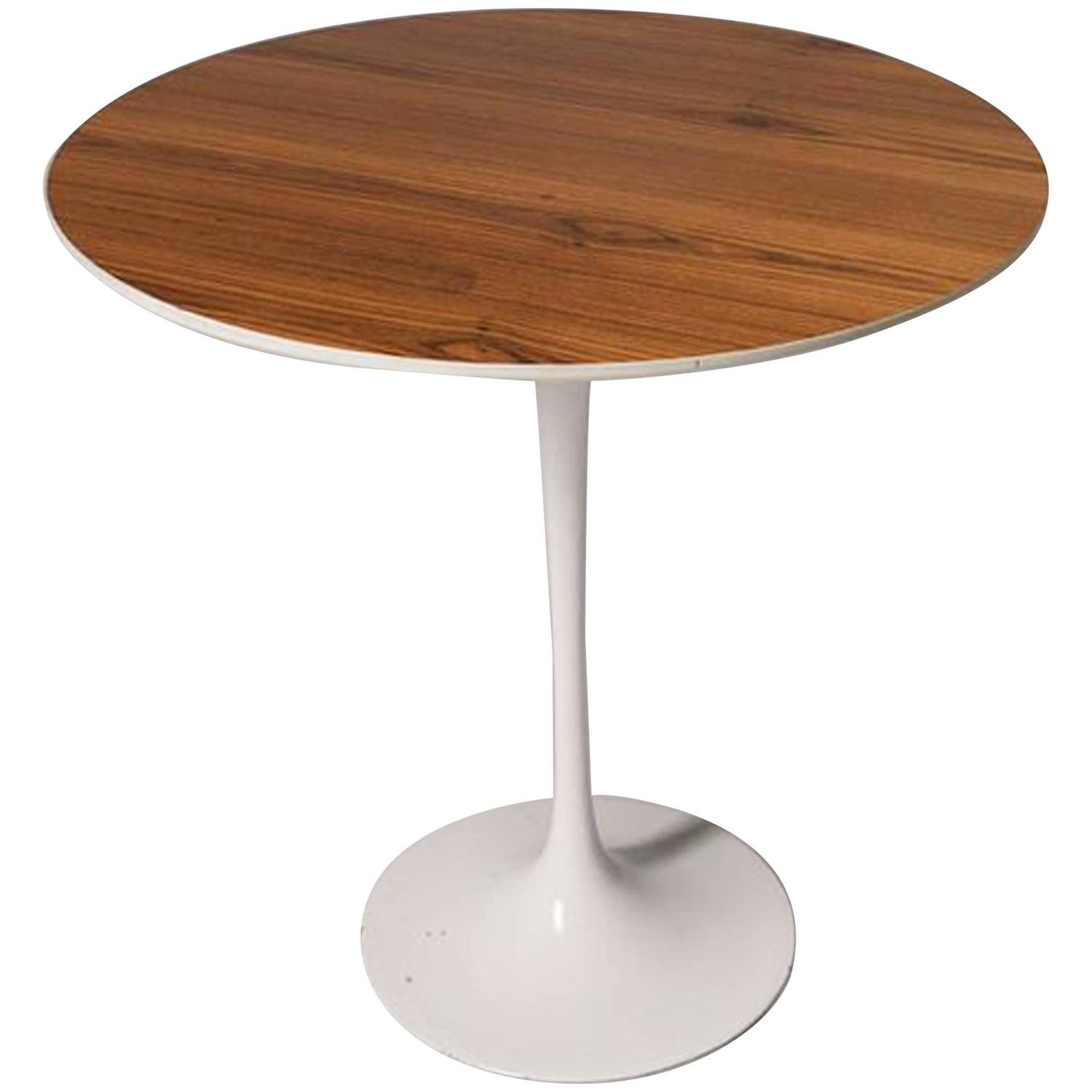 Mid-Century Modern Tulip Side Table By Eero Saarinen At
