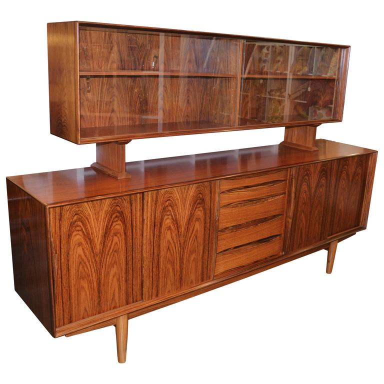 Stunning Rosewood Buffet And Hutch In The Style Of Arne Vodder For Sale
