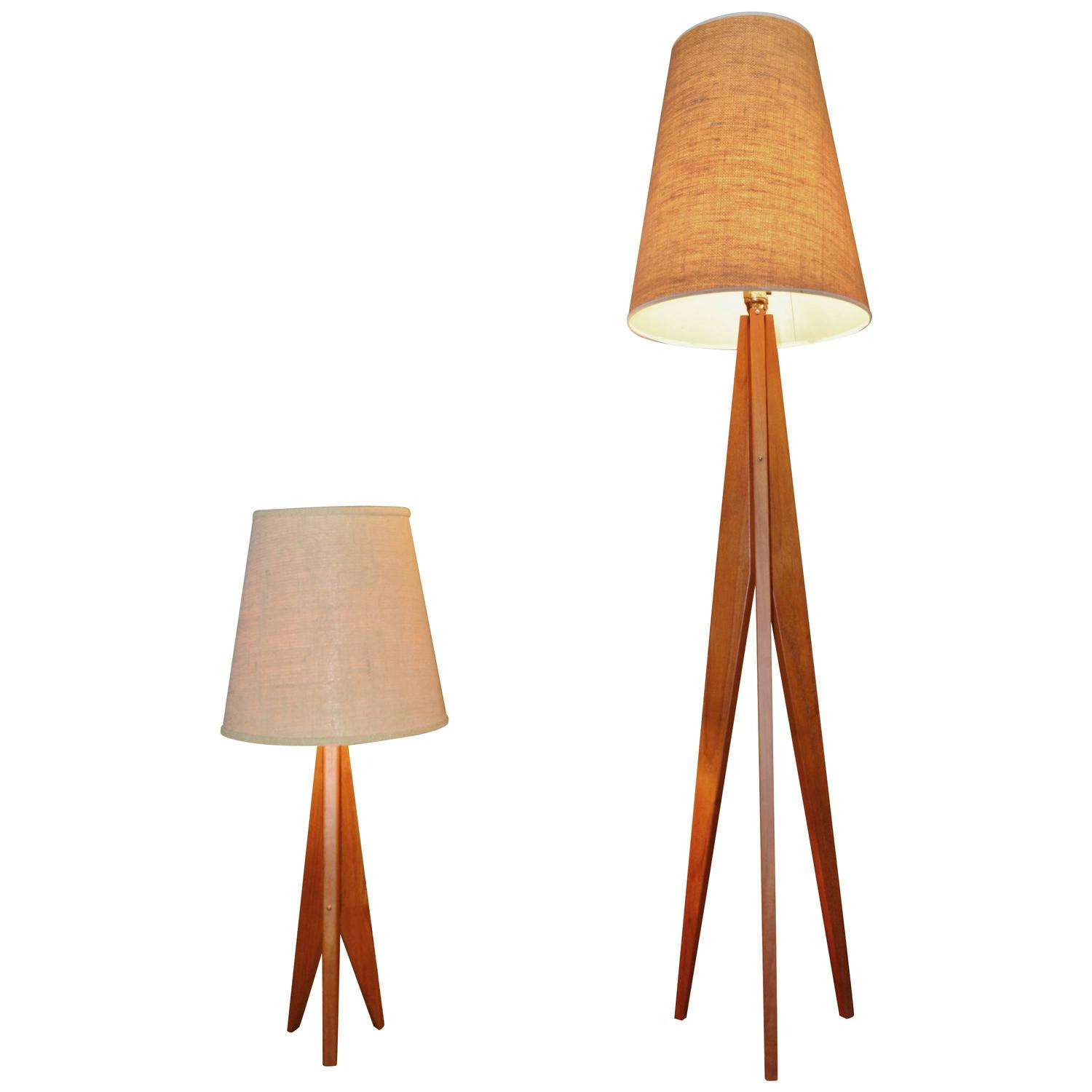 Teak tripod floor and table lamps danish modern at 1stdibs for Tripod spotlight floor lamp in teak wood