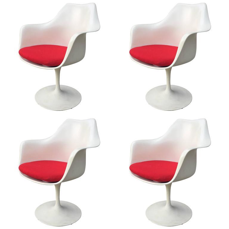 Eero Saarinen Set of Four Tulip Armchairs for Knoll International, 1956 at 1s...