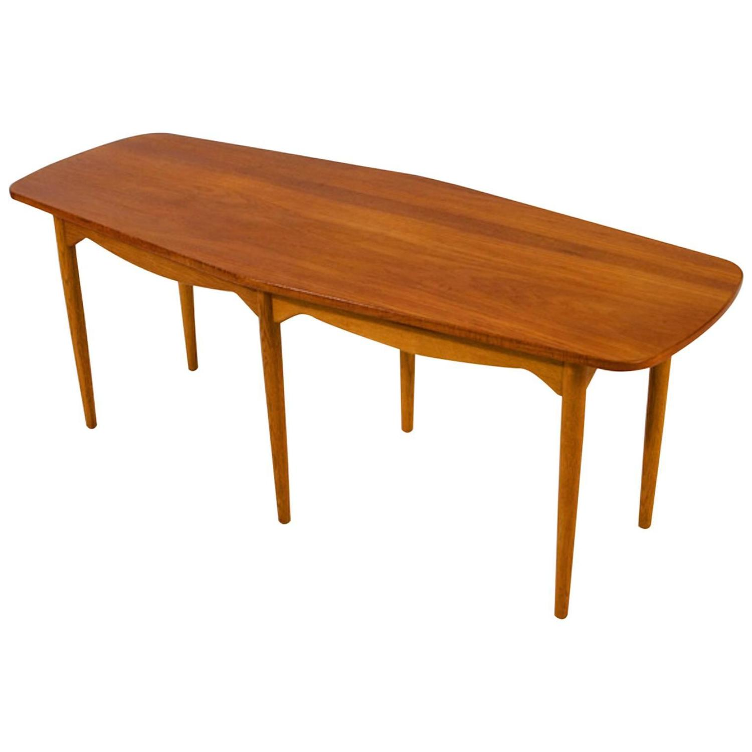 vintage danish modern coffee table for sale at 1stdibs. Black Bedroom Furniture Sets. Home Design Ideas