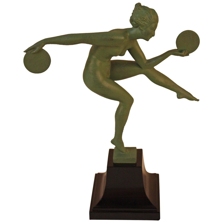 Nude Female Statue