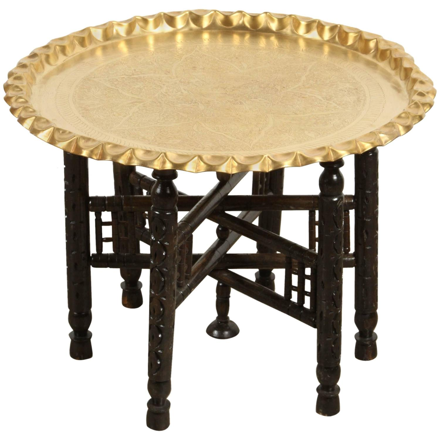 Vintage Moroccan Etched Brass Round Tray Table For Sale at 1stdibs