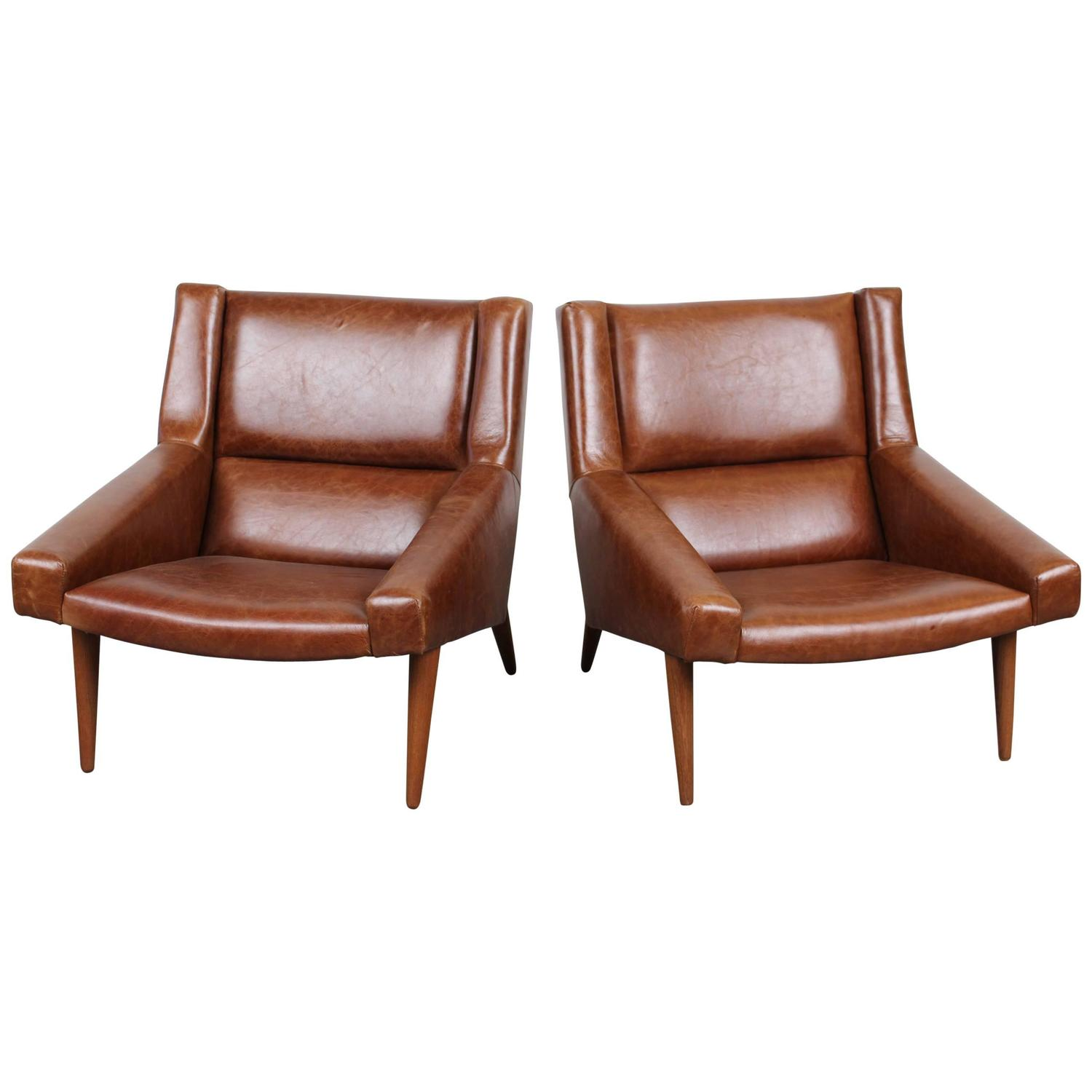Pair Of Danish Mid Century Modern Lounge Chairs By Illum Wikkelso At 1stdibs