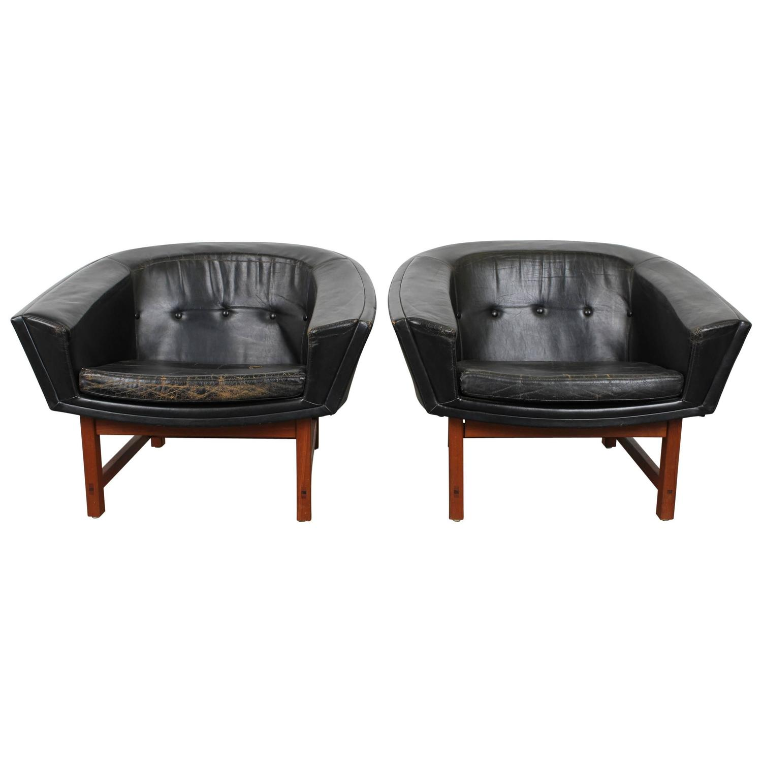 Pair of Mid Century Modern Black Leather Chairs by Lennart Bender