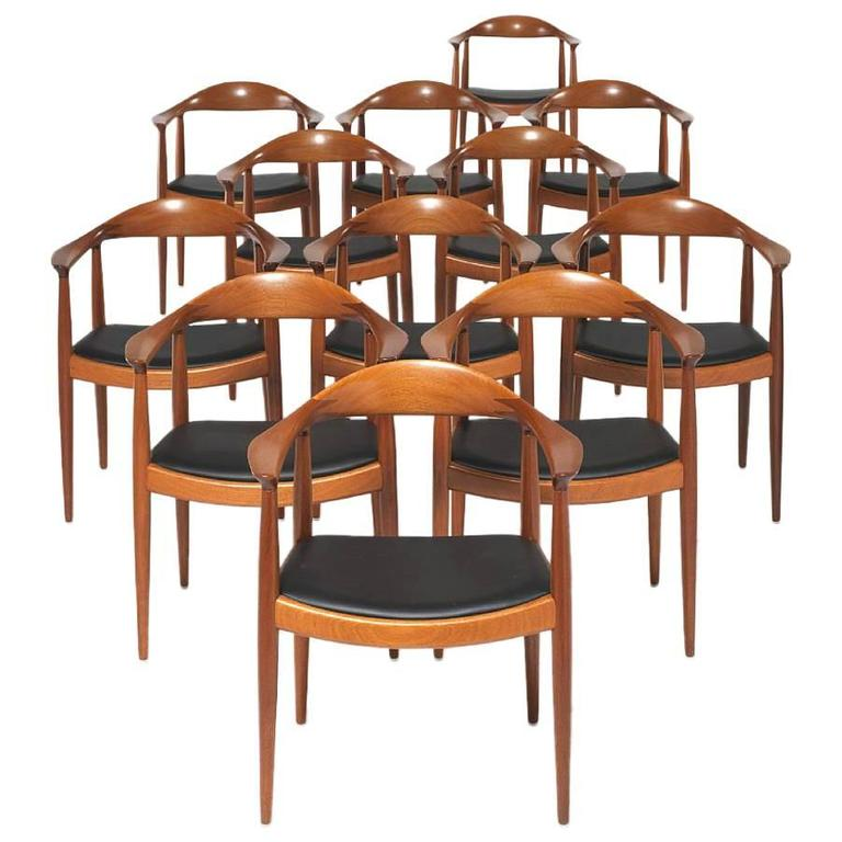 Set Of 12 Mahogany Round Back Dining Chairs By Hans Wegner