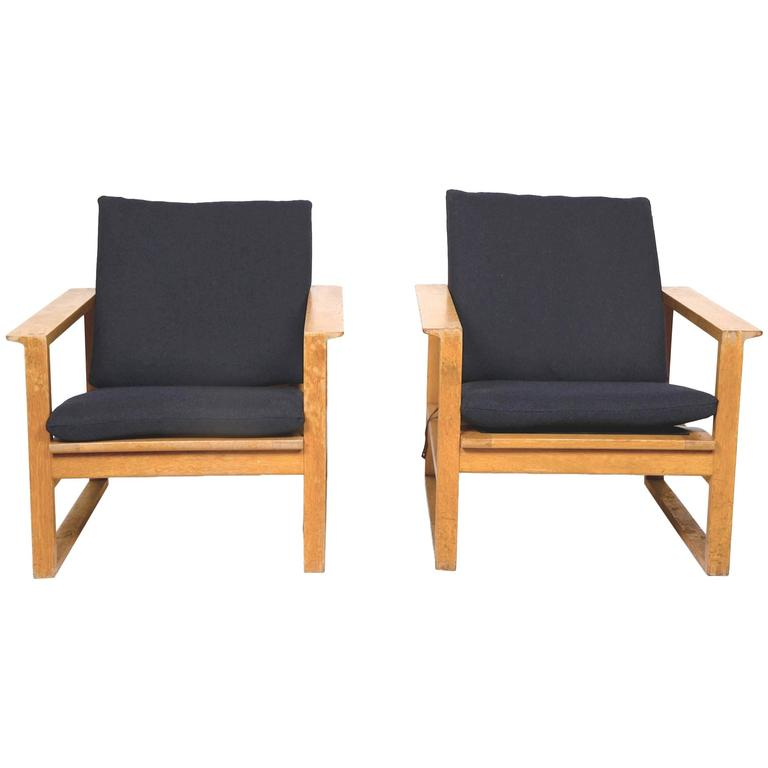Pair of Sled Chairs / Mod. 2256 by Børge Mogensen, Fredericia