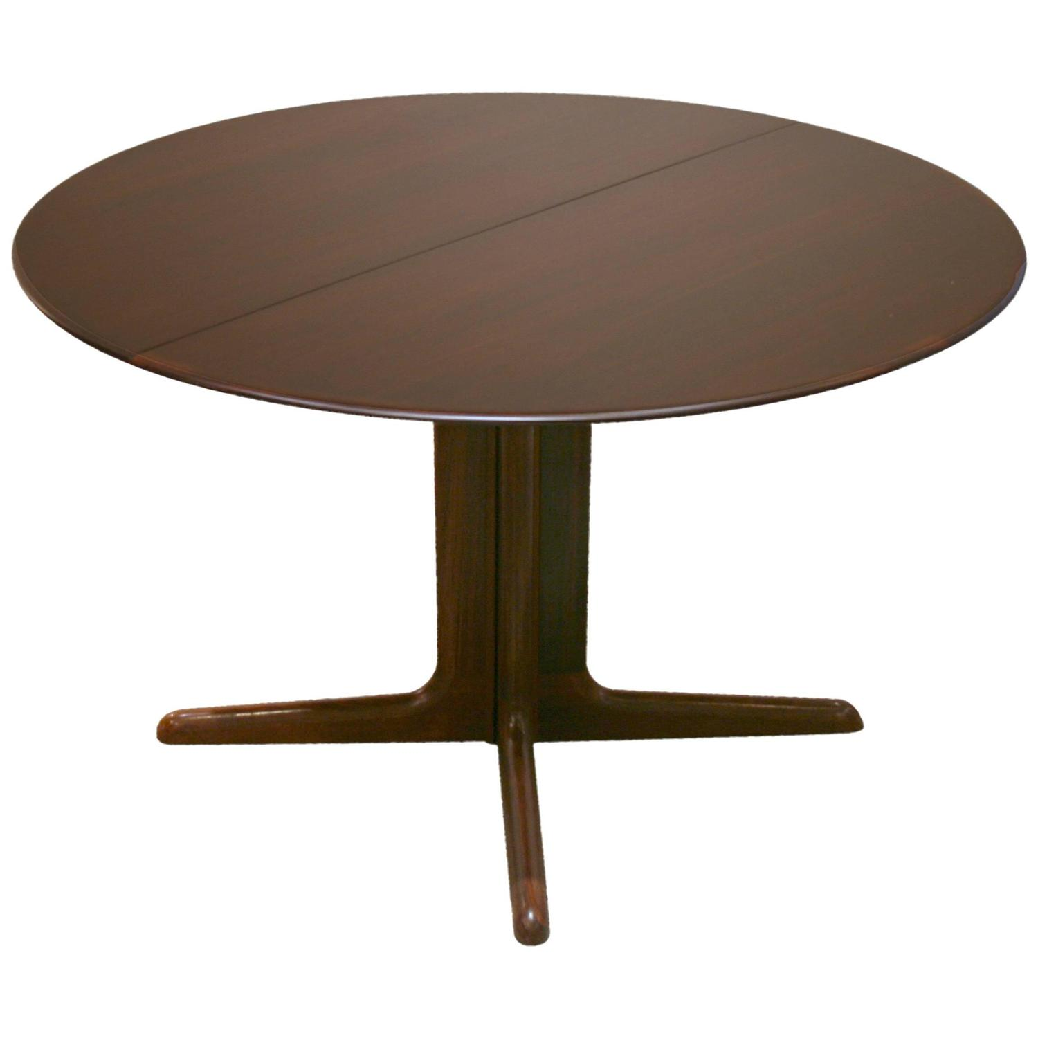 Vintage danish rosewood round pedestal base dining table for Dining room table pedestal bases