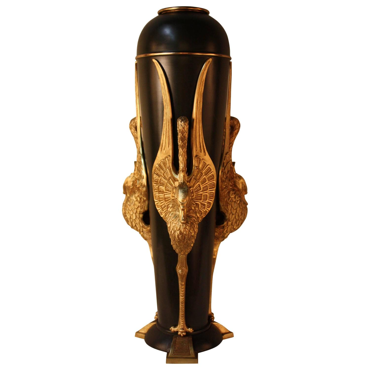 grand french bronze empire vase at 1stdibs. Black Bedroom Furniture Sets. Home Design Ideas