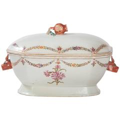 18th Century Chinese Export Porcelain Tureen