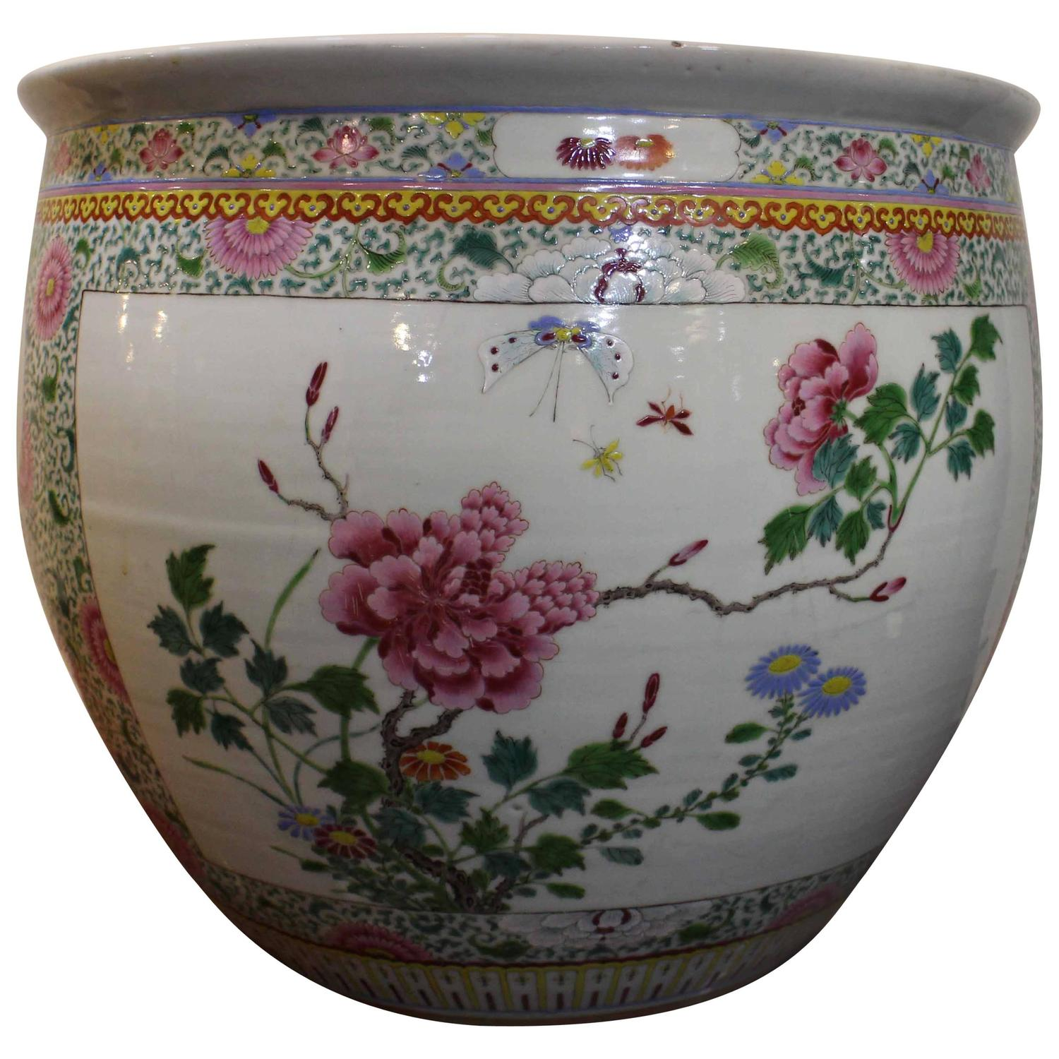 Antique chinese famille rose fish bowl for sale at 1stdibs for Chinese fish bowl