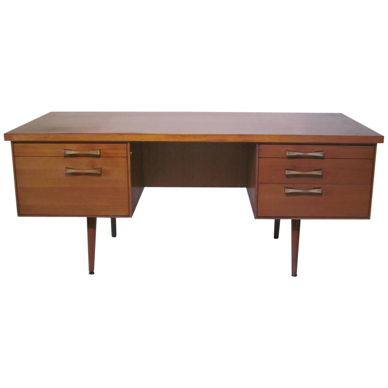 Lepold Mid Century Executive Desk At 1stdibs