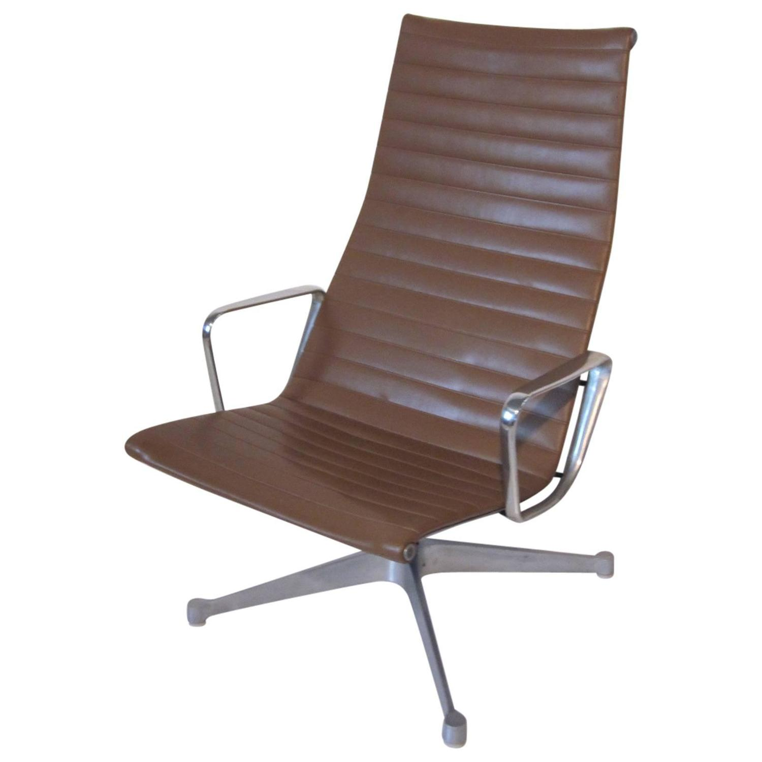 Eames aluminum group lounge chair for herman miller at 1stdibs for Herman miller eames aluminum group management chair