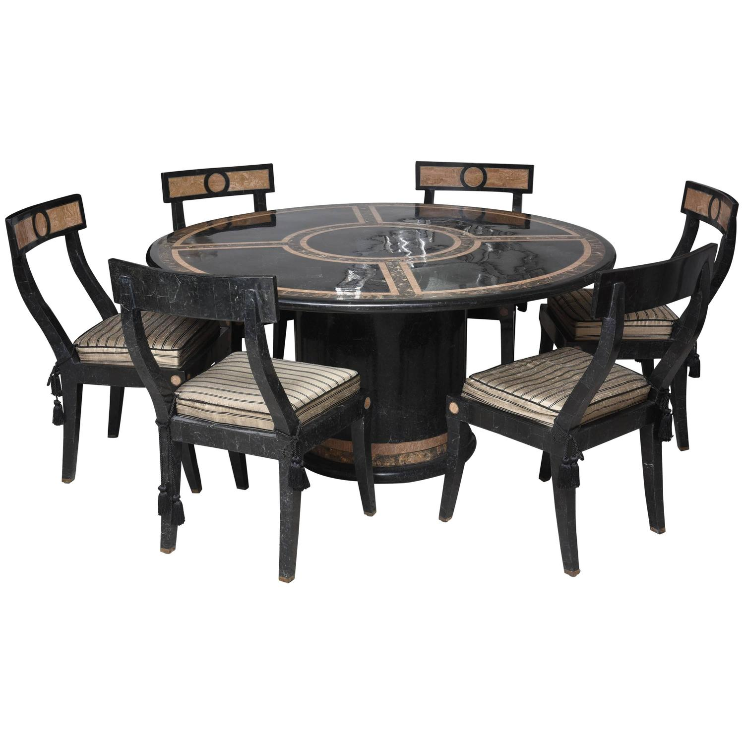 hollywood regency style dining table and chairs in the style of maitland smith at 1stdibs. Black Bedroom Furniture Sets. Home Design Ideas