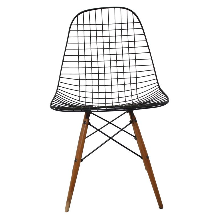 Eames dkw dowel leg side chair for herman miller at 1stdibs for Eames dowel leg side chair