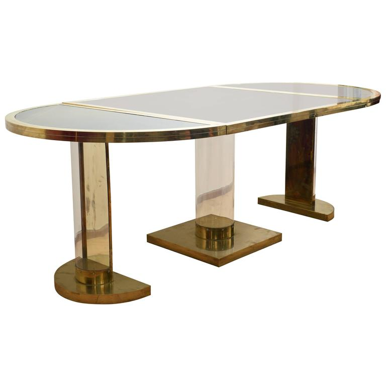 Versatile oval table modular and separable by romeo rega for Modular dining table