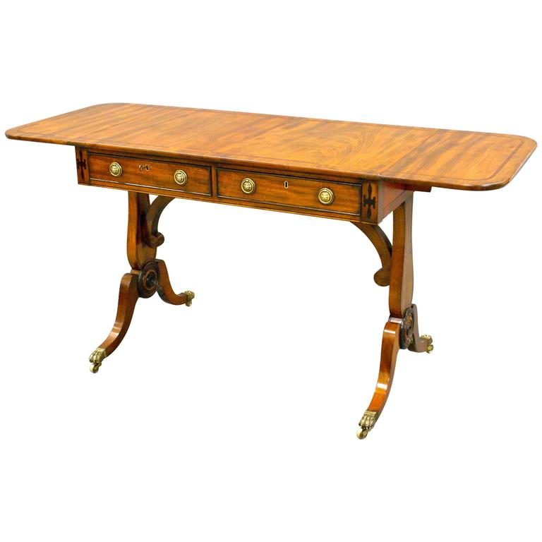 Regency mahogany sofa table of very desirable shallow for Shallow coffee table