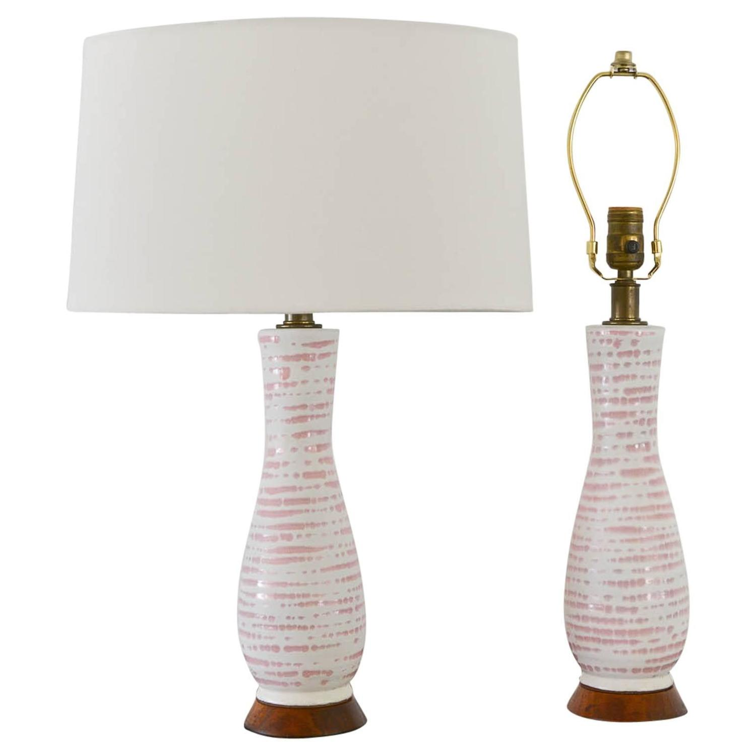 pair of petite ceramic table lamps at 1stdibs. Black Bedroom Furniture Sets. Home Design Ideas