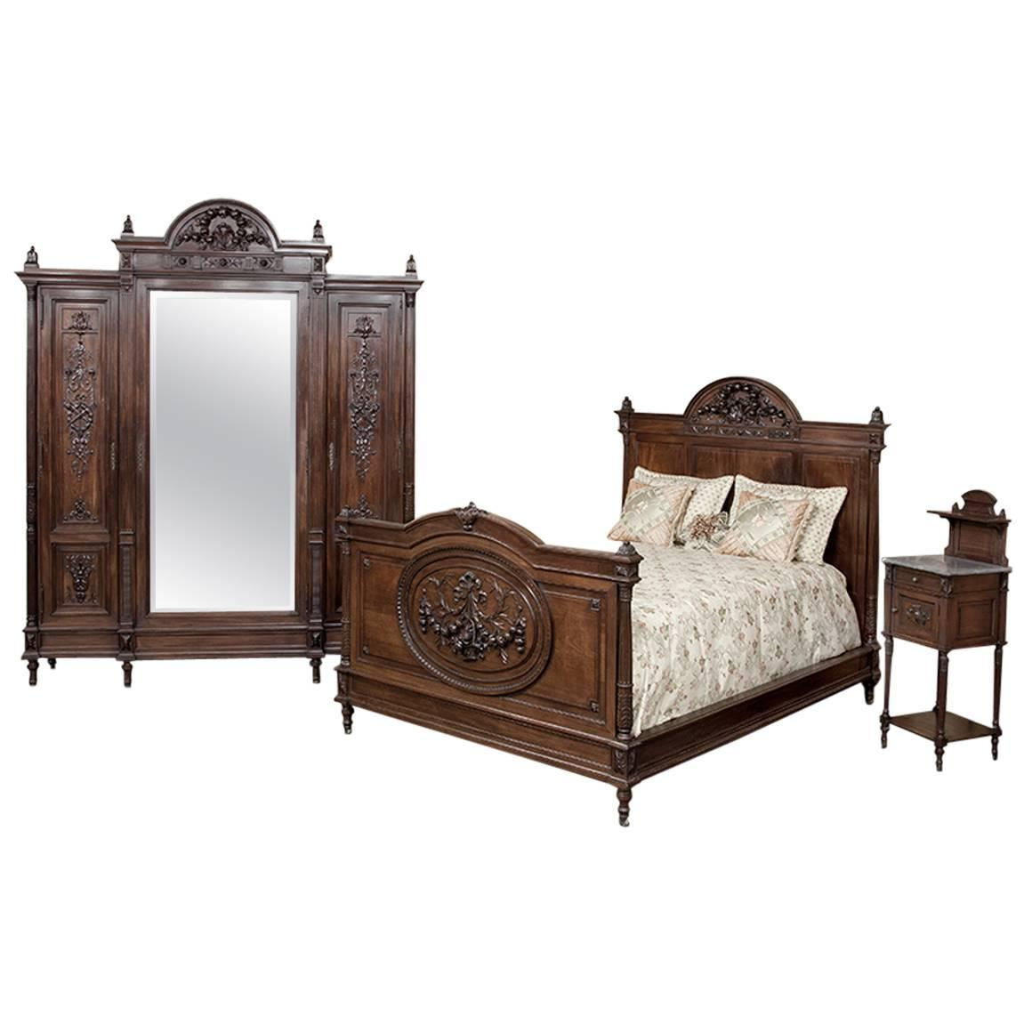 19th century neoclassical mahogany bedroom set at 1stdibs Century bedroom furniture