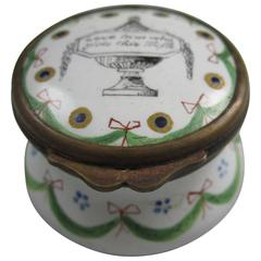 18th Century English Hourglass Bilston Enamel Motto Snuff Box, Lover's Trifle