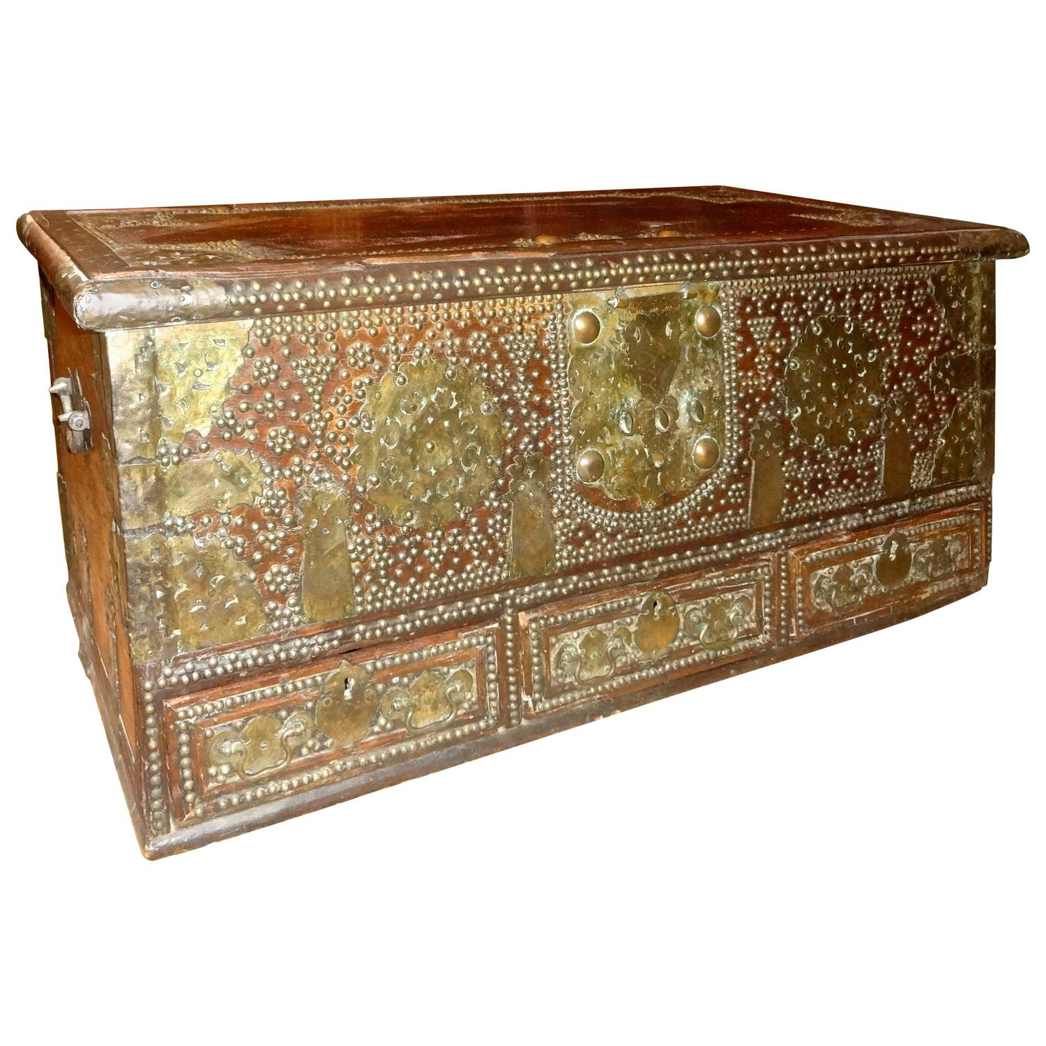 Kuwaiti Chest For Sale At 1stdibs