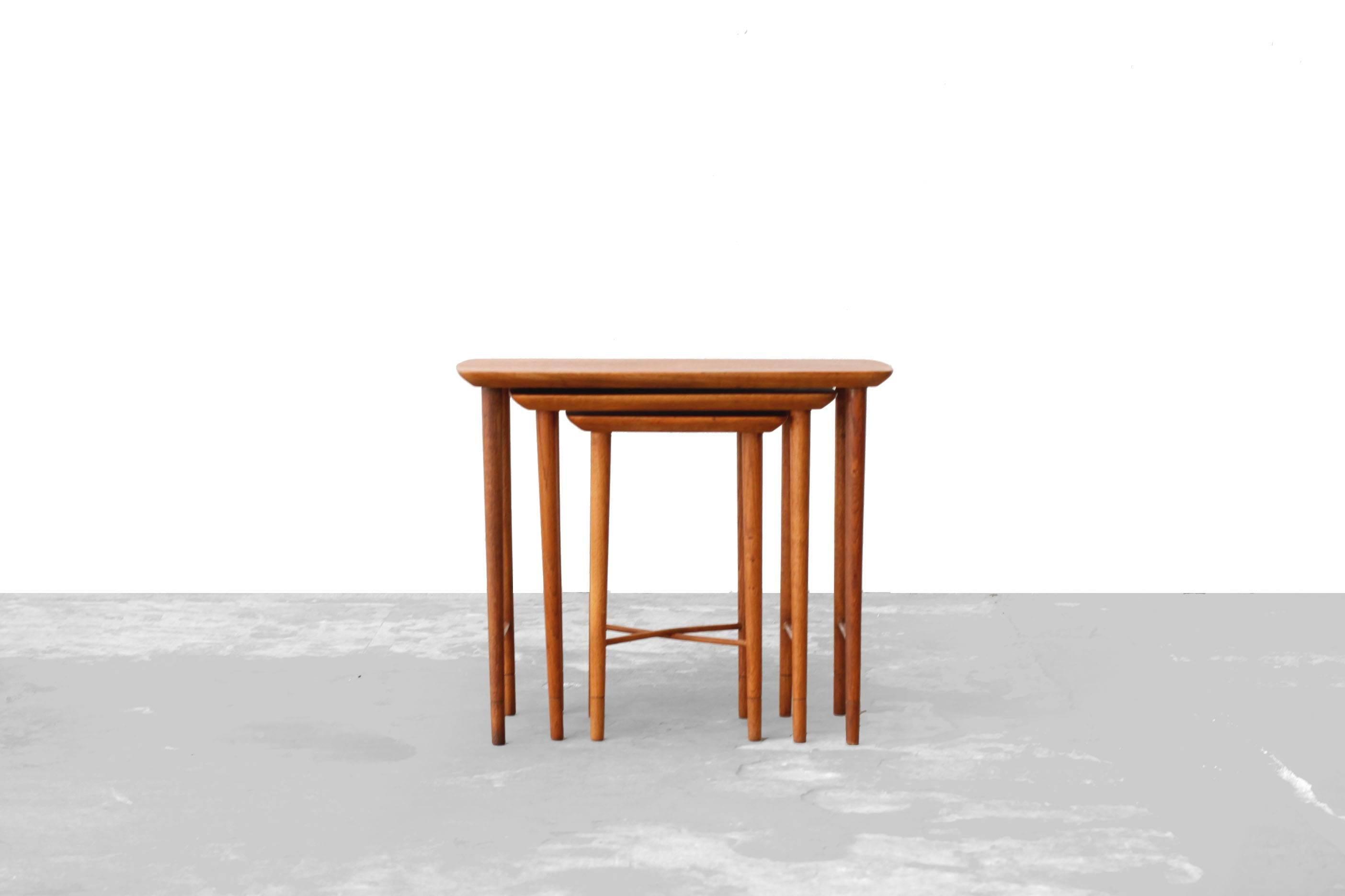 Scandinavian Modern Danish Modern Teak And Oak Nesting Tables, 1960s For  Sale