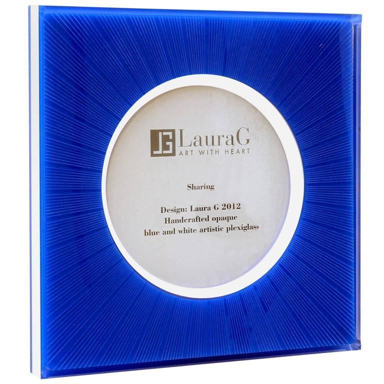 Italian Pop Design picture frame in blue plexiglass, Sharing blue.