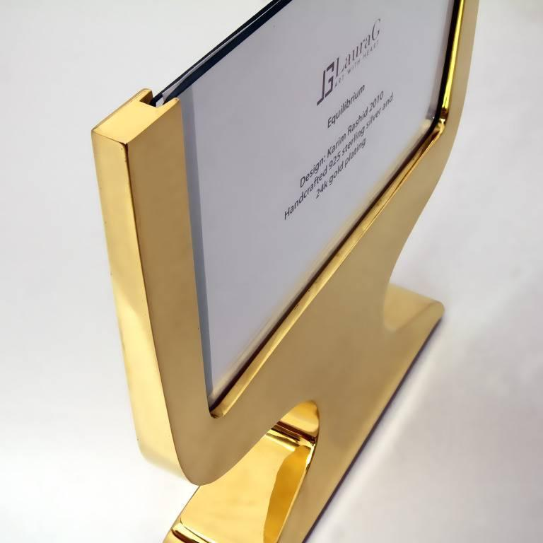 Italian Modern Gilt  Silver Double Picture Frame, Equilibrium Gold  In Good Condition For Sale In Sarezzo, IT