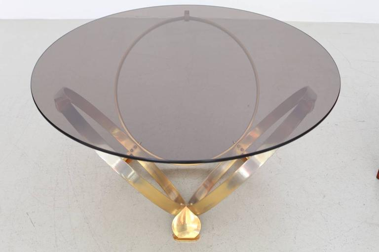 Round Brass Geometric Rings Coffee Table with Glass Top In Good Condition For Sale In Berlin, DE