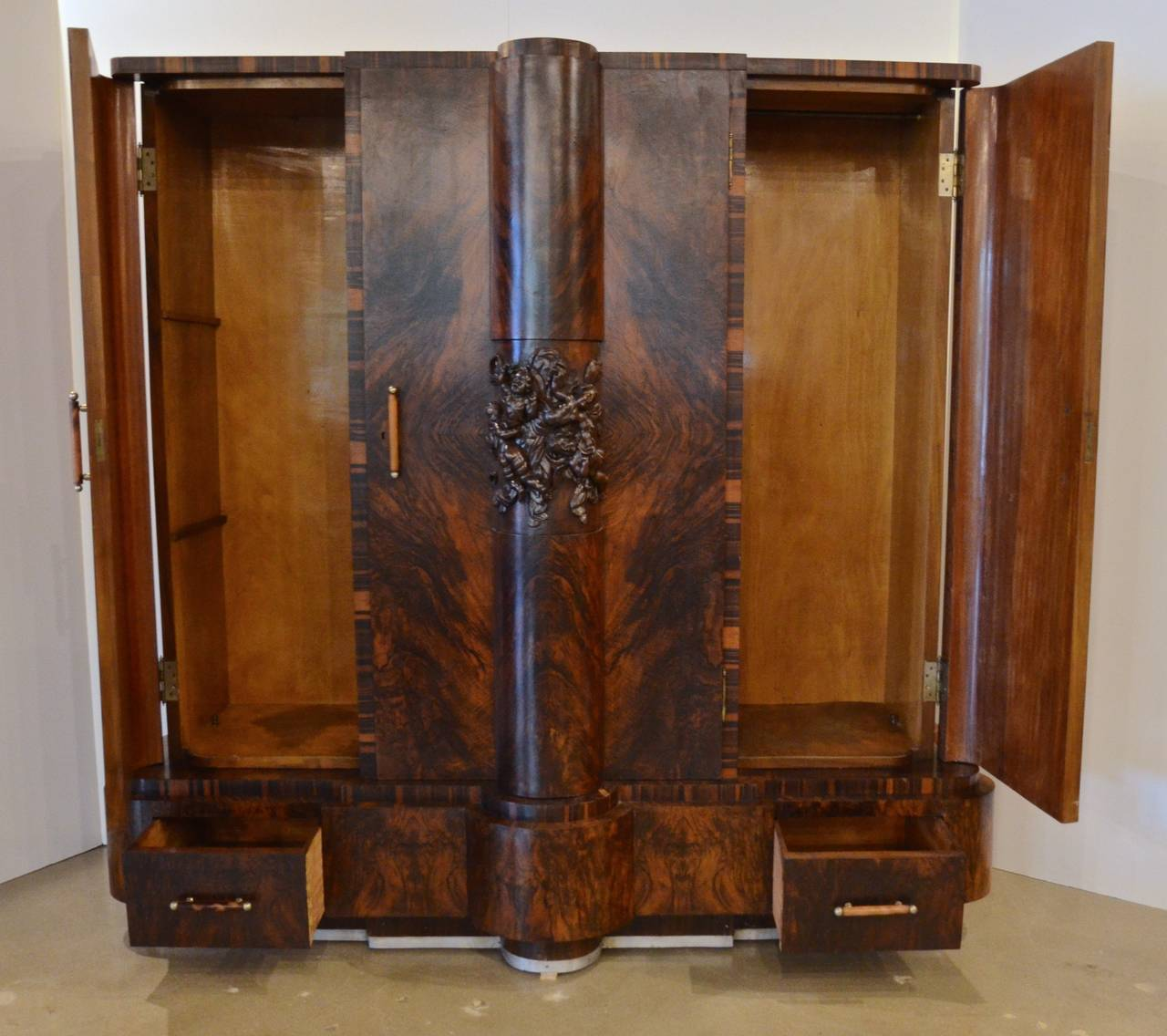 italian art deco rosewood and walnut armoire circa 1925 at 1stdibs. Black Bedroom Furniture Sets. Home Design Ideas