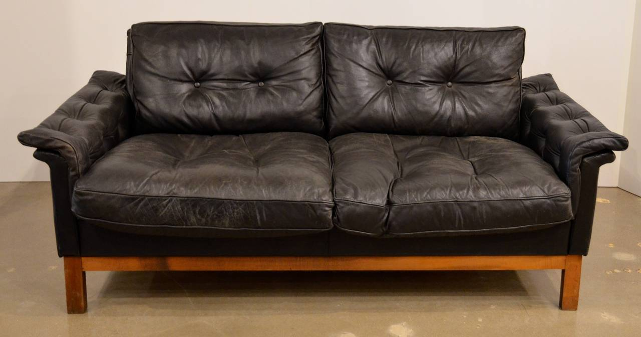 mid century black tufted leather loveseat danish 2 black leather mid century
