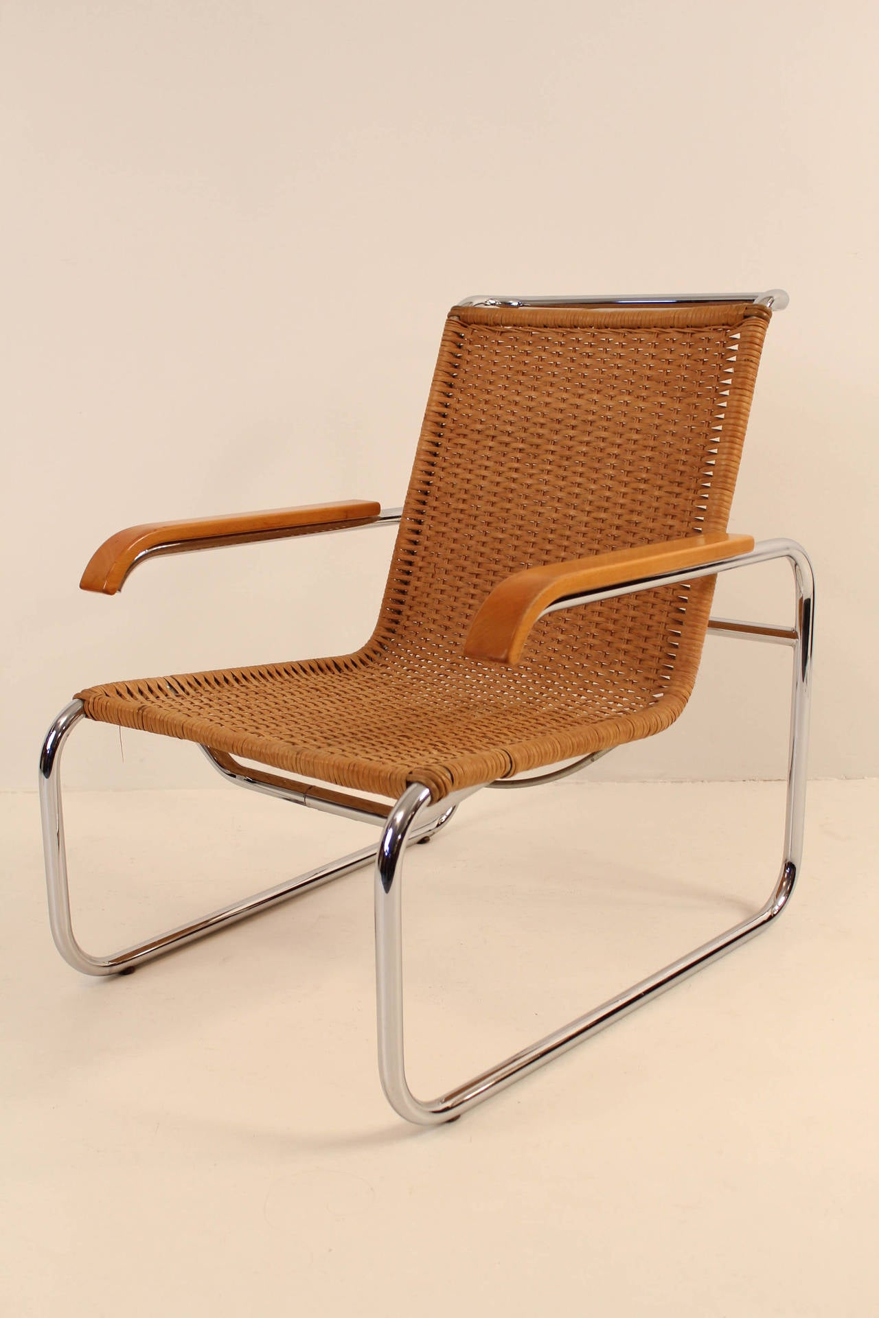 nice pair of b35 lounge chairs by marcel breuer for thonet at 1stdibs. Black Bedroom Furniture Sets. Home Design Ideas
