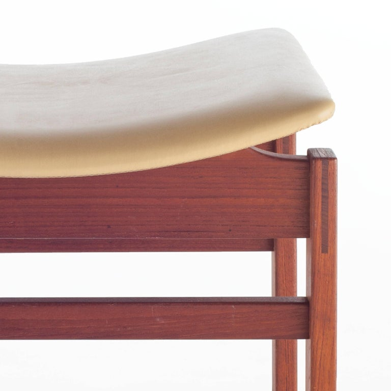 American Set of Three Walnut and Leather Stools by Jens Risom, circa 1950s For Sale