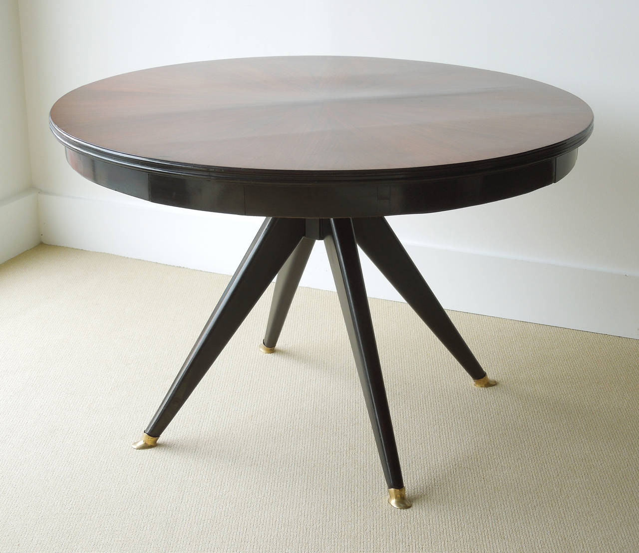mid century modern round center dining table at 1stdibs. Black Bedroom Furniture Sets. Home Design Ideas