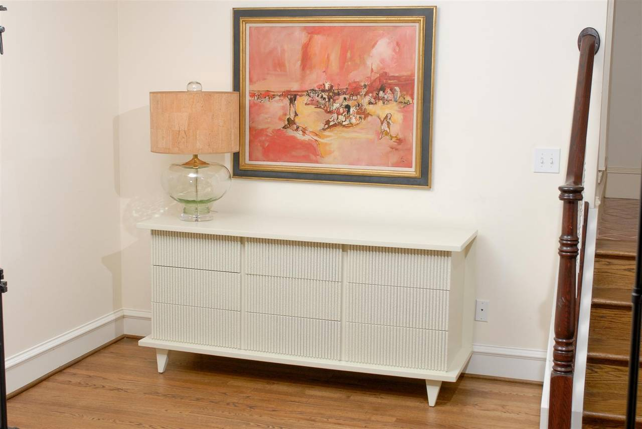 Mid-Century Modern Dramatic Restored Nine-Drawer Chest by American of Martinsville, circa 1950 For Sale