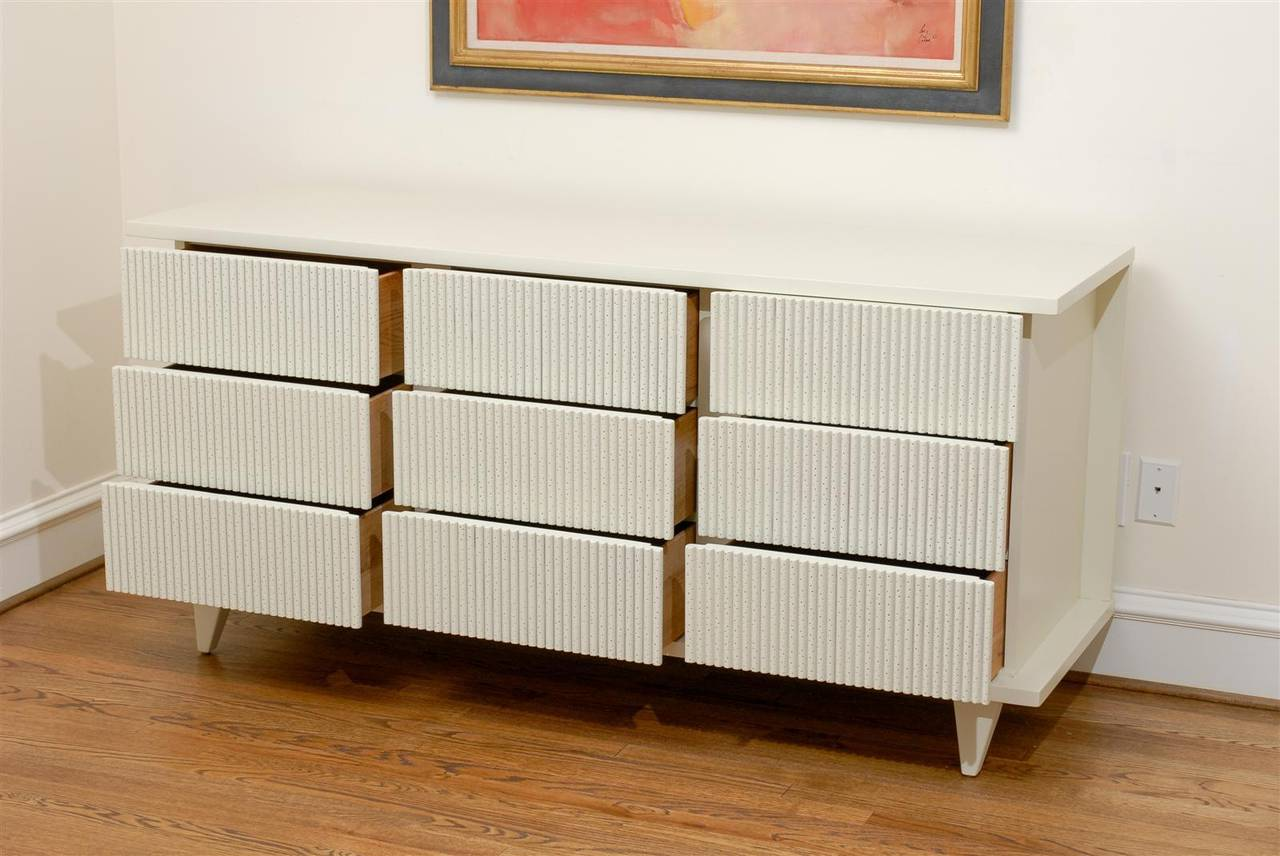 Dramatic Restored Nine-Drawer Chest by American of Martinsville, circa 1950 For Sale 2