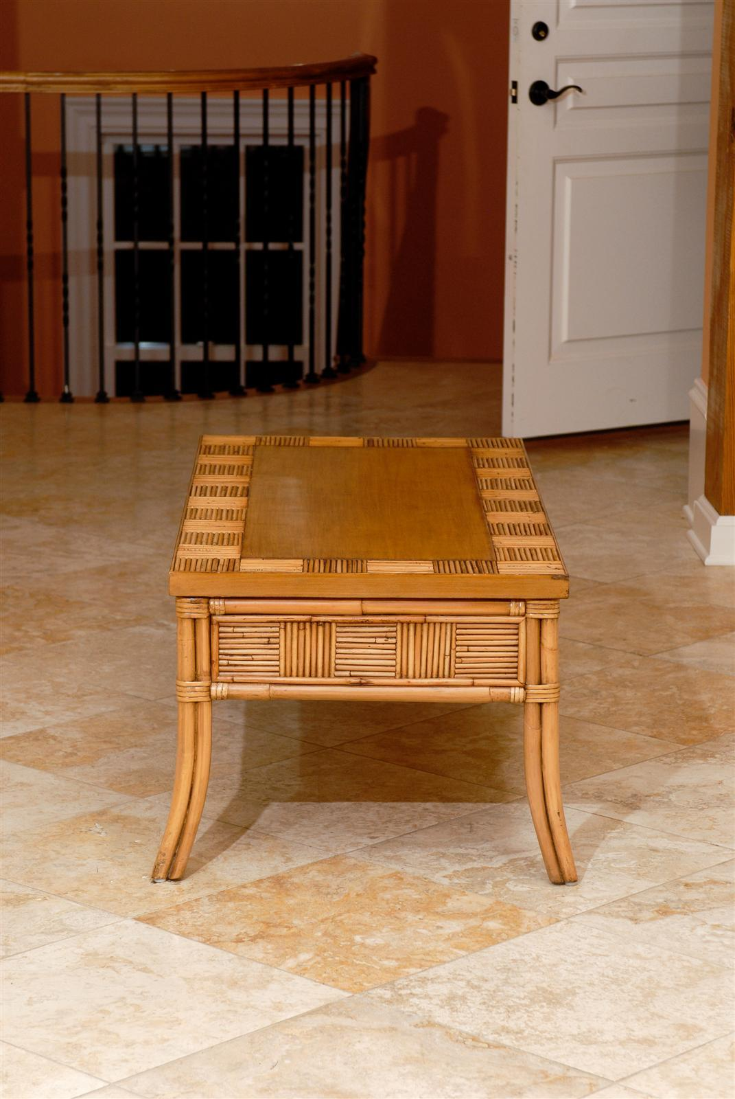 Lovely Vintage Bamboo and Rattan Coffee Table with Saber Leg Detail In Excellent Condition For Sale In Atlanta, GA