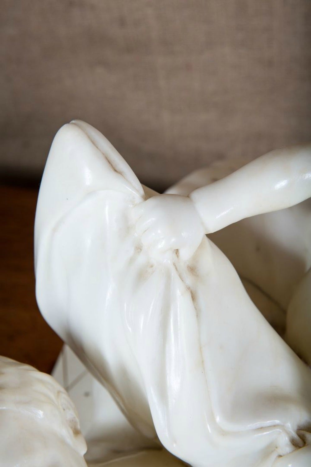 Early 20th Century Italian Hand Carved Alabaster Sculpture For Sale 7